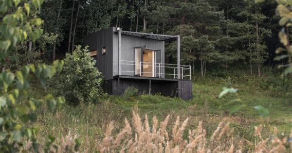 Etno Hut namelis